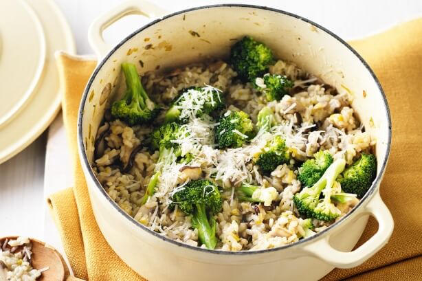 Oven-baked mushroom risotto